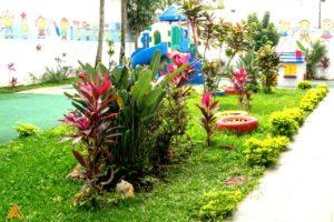Jardim e Playground no Colégio Castro Alves